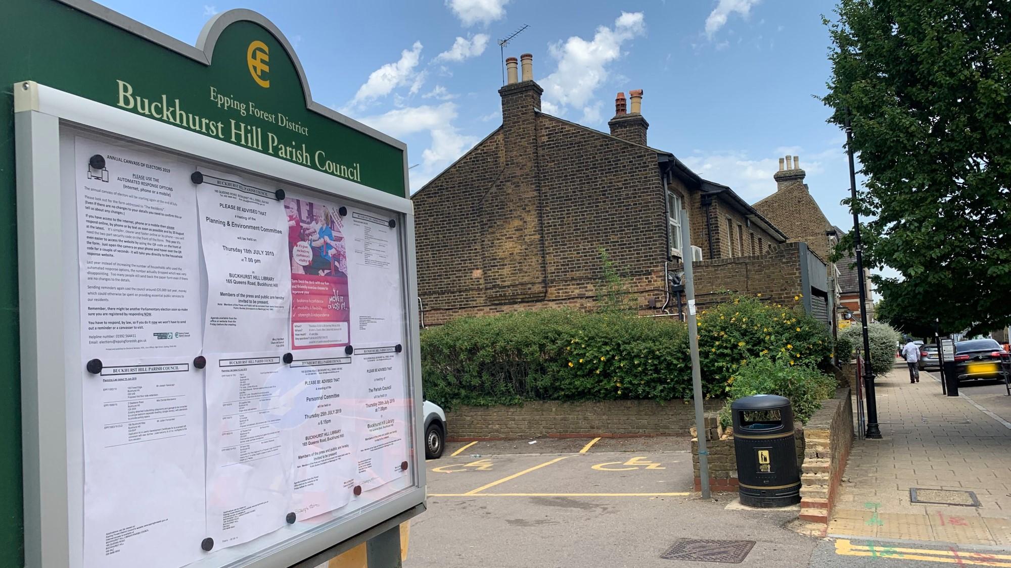 Buckhurst-Hill-Parish-Council-Noticeboard-Queens-Road.jpeg